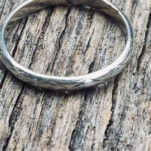 Sterling silver etched vintage ring band 5.5